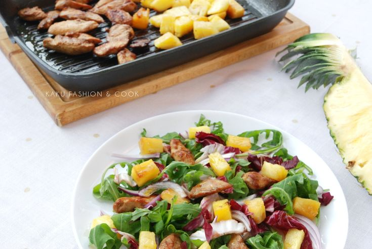 Sałatka z grillowanym ananasem i kurczakiem / Salad with barbecued pineapple and chicken