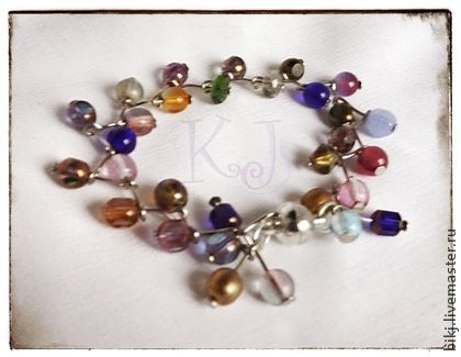 Handmade bracelet made ​​of glass beads.