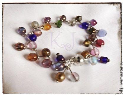 Handmade bracelet made of glass beads.
