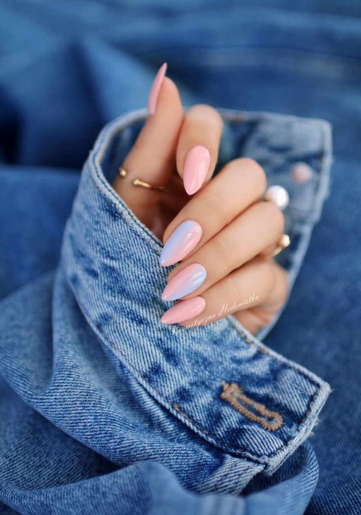 Nail manicure using water marbling method #darbysmart #beautytips #beautyhacks #...