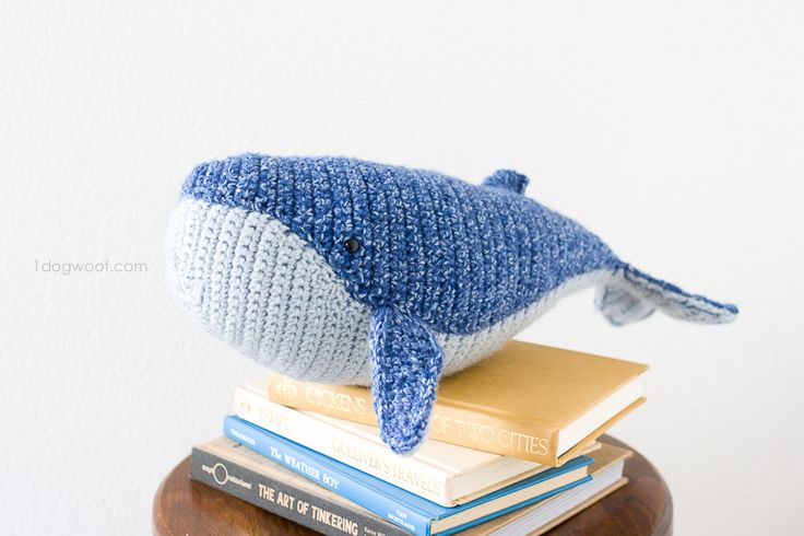 Kijk wat ik gevonden heb op Freubelweb.nl: een gratis haakpatroon van One Dog Woof om deze walvis te maken https://www.freubelweb.nl/freubel-zelf/gratis-haakpatroon-walvis-3/