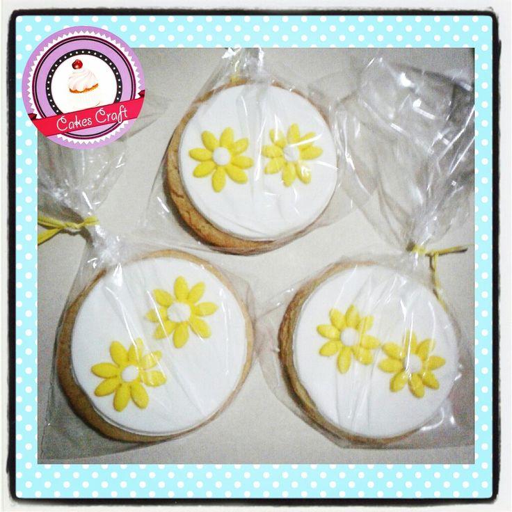 Galletas Tematicas - Flores !! / CID - 540 #barranquilla #cakestagram #uniautonoma #uniatlantico #uninorte #unilibre #unimetro  #hbd #cumpleaños #CakescraftKeados #cakeboss #cupcakewar #cakescraftbq #airsoft #halamadrid #jamesrodriguez10 #collagecostacaribe #enchufetv #laeratrump #enero #cookies #galletasdecoradas #galletas #mitaddesemana #miercoles #carnaval2017 #wendsday #midweek #precarnaval