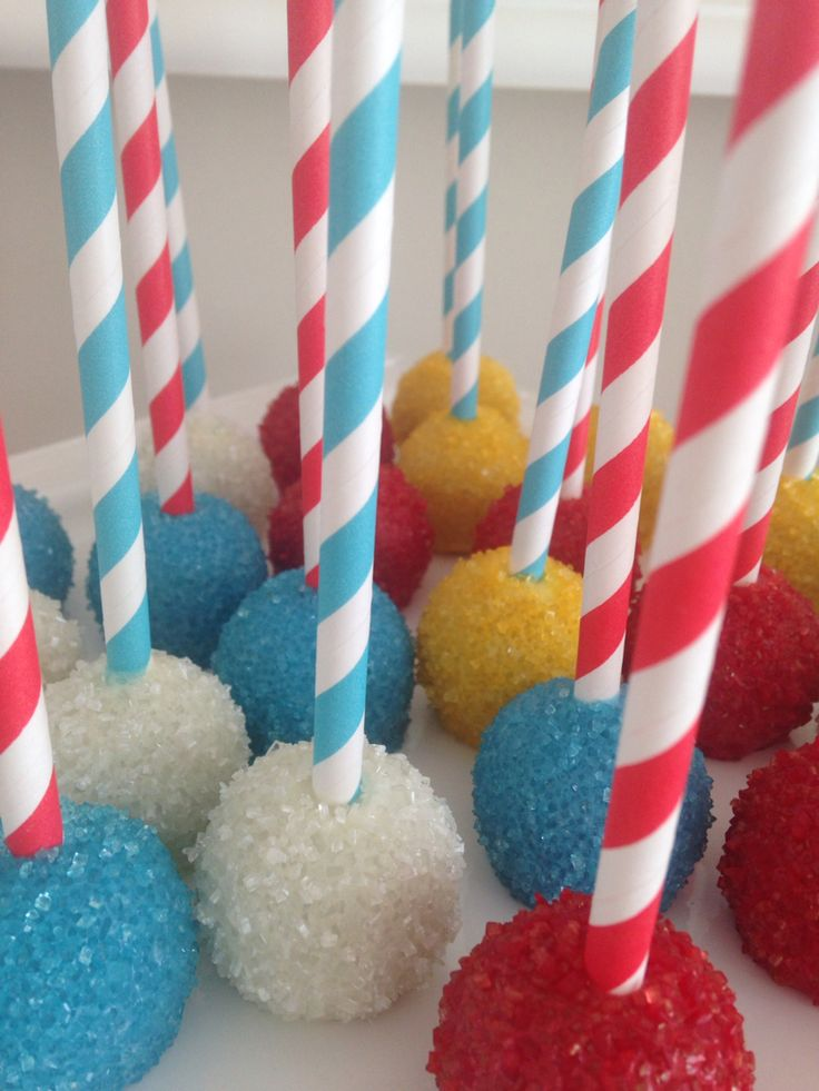 Mickey Mouse theme cake pops