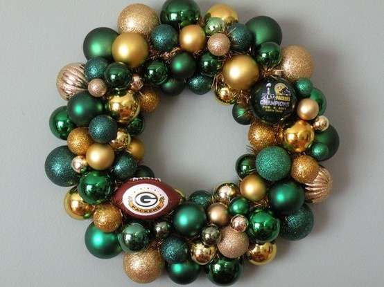 Packers Wreath...OMG I NEED to make one of these!