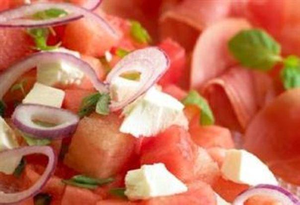 Melon- og fetaostsalat med spekeskinke