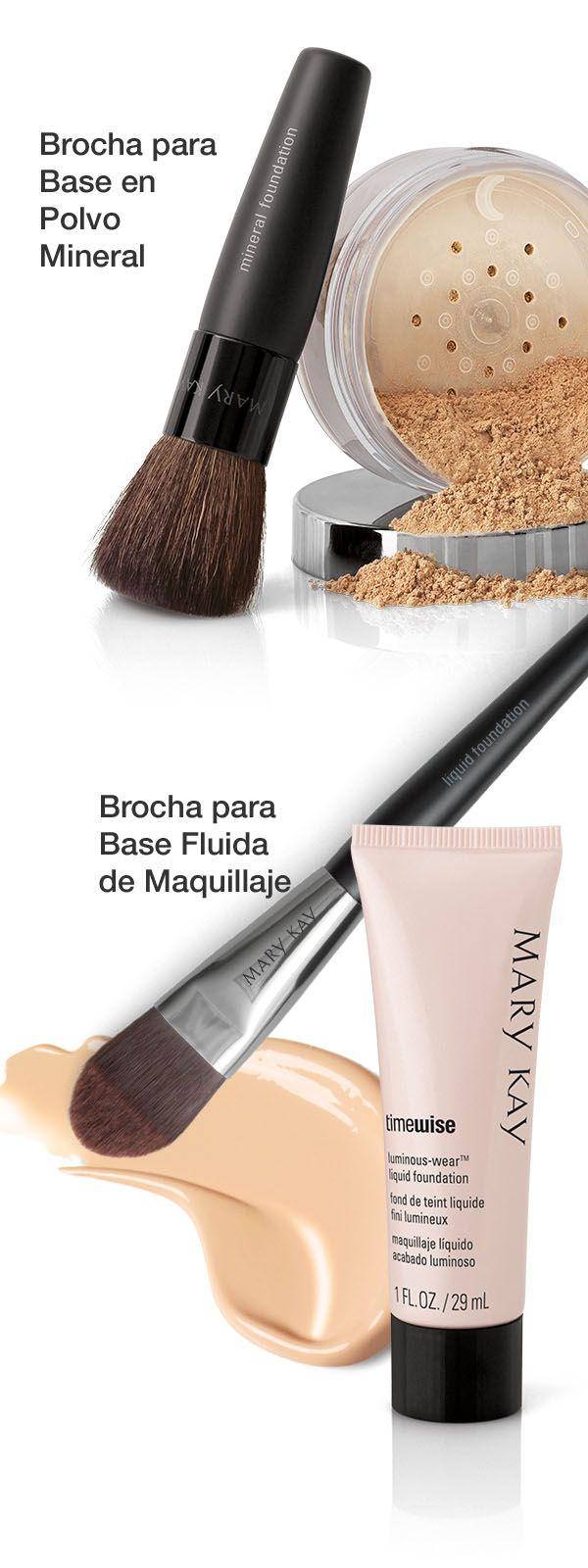 ¿Te encantan los resultados profesionales y sin esfuerzos? Utiliza la brocha adecuada para la aplicación de tu base de maquillaje.