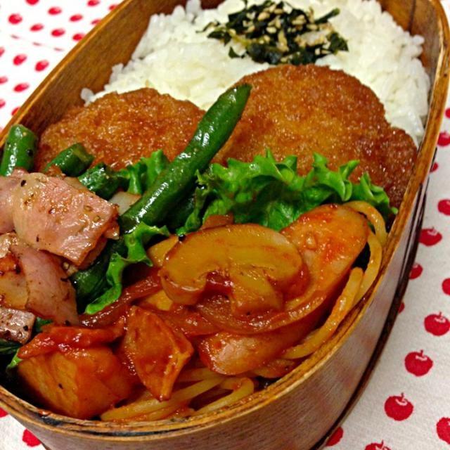 おはようございます。 今日は… タレカツ、新潟風 ナポリタン いんげんソテー 愛情  野菜が足らないかぁ… - 80件のもぐもぐ - 12月17日お弁当… by Kumi Satou