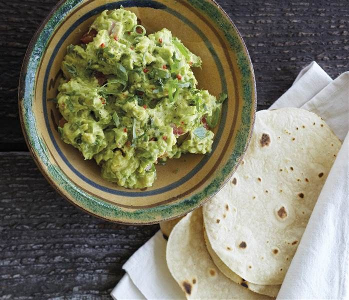 Make this 5-minute chunky guacamole as your go-to party dip