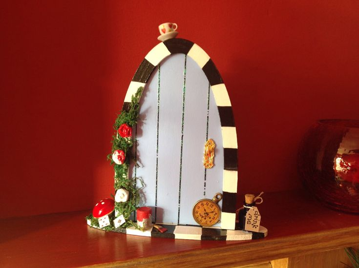 Fairy door Alice in Wonderland & 88 best Fairy Doors and imaginative play ideas images on Pinterest ...