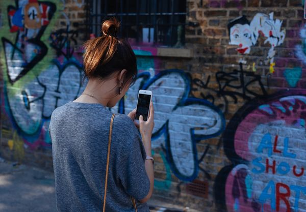 UK rife with mobile marketing opportunities due to Brits' high smartphone usage report says