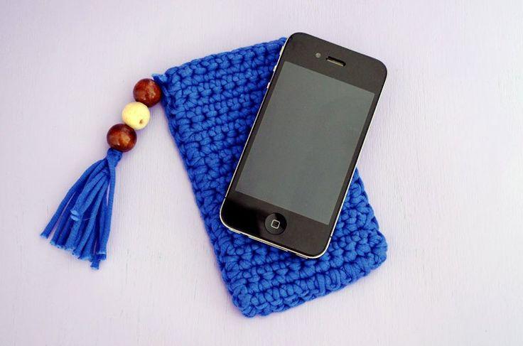 DIY: Wie du ganz einfach Hüllen für Handy, Tablett und co. selbst häkelst |