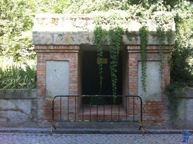 La Posición Jaca nombre en clave del Cuartel General del Ejército Popular Republicano del Centro, también llamado Bunker de Miaja, durante la Guerra Civil Española. Posicion Jaca