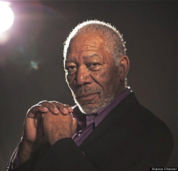 Morgan Freeman pergunta: 'Se os ETs existem, eles adoram a Deus?' » OVNI Hoje!