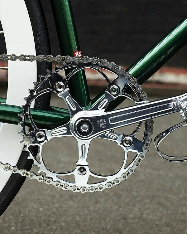Whats your favourite colour? Check out our #BLB Pista Vera #crankset we might just have it on our site  #thefixedgearshop  #crankset #fixedgear #fixie #fahrrad #velo #singlespeed #fiets #bike #bicycle #fixedgears #fahrradliebe #pignonfixe #fixedgearlife
