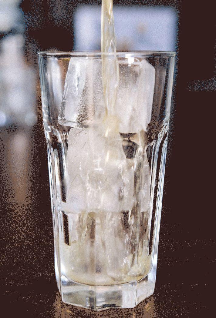 Drinks, Cocktails, Beverages, Bar, Home Bar, Gin, Club Soda, Soda Water, Sugar, Lemon, Clementine, Orange, Cocktail Bar, Ingredients, Strainer, Clemengold Gin, Copper Tools, Tom Collins, Sundowners, Summer Drink, GIF