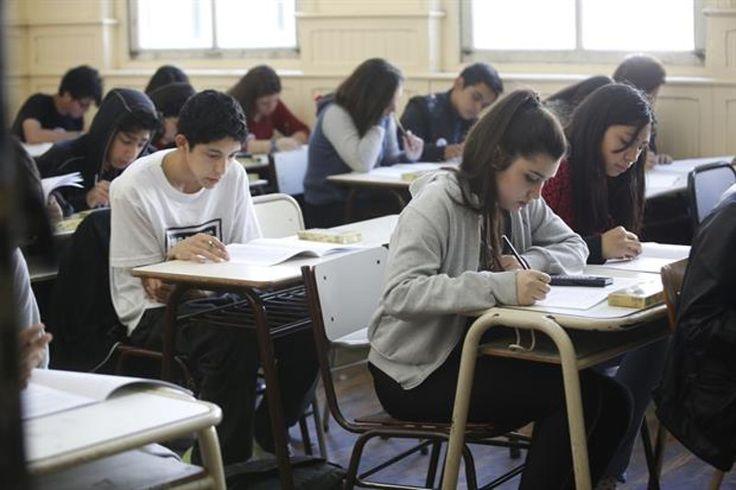 Por bajo rendimiento, harán cambios en la educación de colegios secundarios: La medida será llevada a cabo desde el Ministerio de Educación…