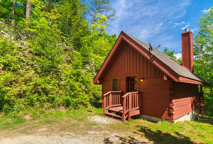 1000 images about smoky mountain cabins on pinterest for Smoky mountain cabins with fishing ponds