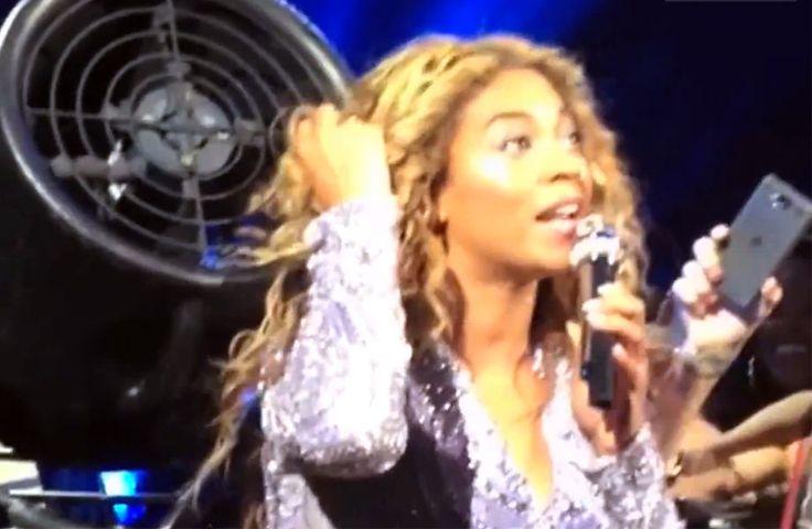 Cabelo da Beyoncé fica preso no ventilador durante show! Help!