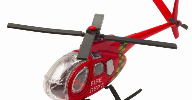 Partes de un helicóptero de control remoto. Los helicópteros de control remoto se han vuelto populares como juguetes para los niños, modelos bien diseñados para entusiastas y aficionados, e incluso herramientas de vigilancia de especificaciones militares. Todos estos diseños comparten diversas partes clave en común. Estas partes determinan el uso del vehículo, así como las características ...