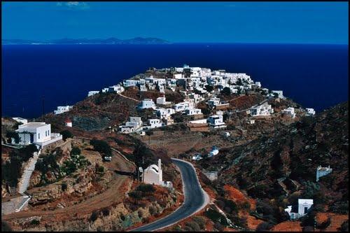 Sifnos: Kastro from Apollonia / Ano Petali road