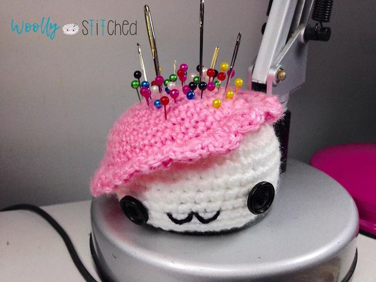 Tomando posesión de su nuevo cargo. Qué nombre te pondremos? 🤔#amigurumi #crochettersofinstagram #crochetaddict #crochetlove #handmade