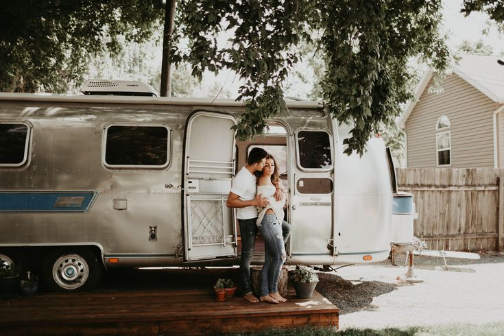 Kandice Breinholt, Cozy Airstream Engagements, Airstream Session, Airstream photos, Airstream living, in-home session, lifestyle session, in home phot…