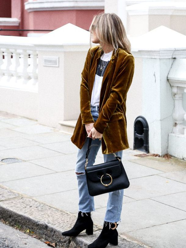 With endless ways to style, graphic tees are a favourite in our books. Layer a sophisticated blazer over a logo tee and pair with a denim mini skirt. Alternatively, match a graphic printed tee with...