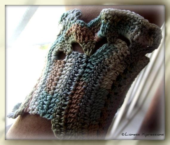 Natural Earth Tone Ruffle Crochet Cuff by LionessXpressions, $25.00: Ruffles Crochet, Earth Tones, Tones Ruffles, Crochet Cuffs, Natural Earth