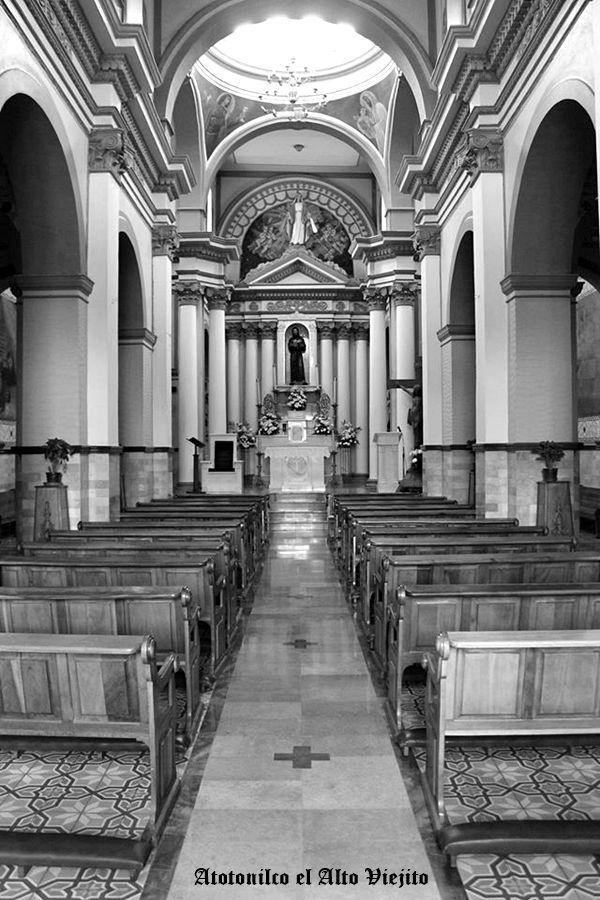 Altar de templo San Fransisco de Asis en Atotonilco El Alto Jalisco Mexico
