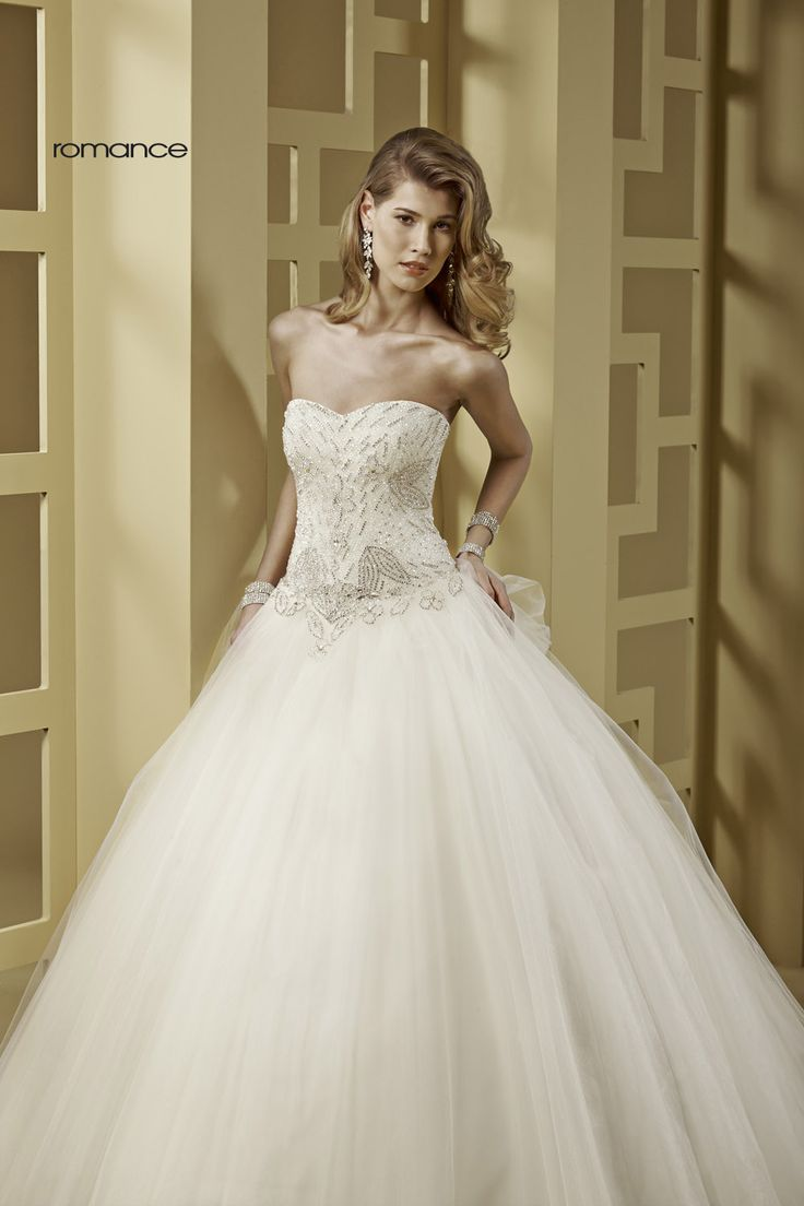 GLAMOUR ROMANCE-24 abiti da sogno, per #matrimoni di grande classe: #eleganza e qualità #sartoriale  www.mariages.it