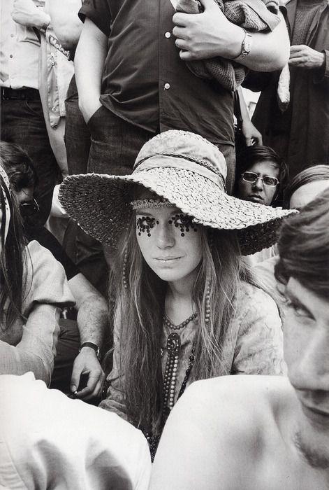 glam back in the day: Eye Makeup, Hippie Style, 1960S Style, Hippie Girls, Flower Children, Eyemakeup, Music Festivals, Floppy Hats, Hippie Fashion