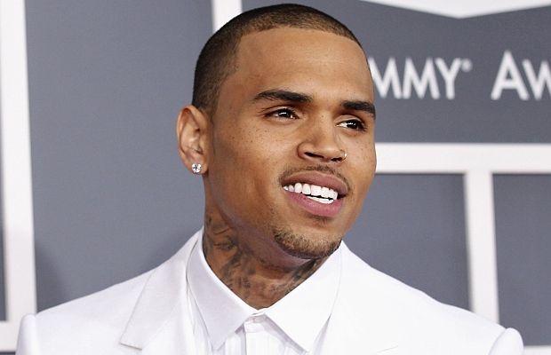 """В град Сан Хосе, щата Калифорния, неизвестен е открил огън, в резултат на който са ранени петима души, съобщи изданието """"Ентъртеймънт уикли"""" (Entertainment Weekly – EW). В момента на стрелбата в нощния клуб R&B и хип-хоп звездата Крис Браун е изпълнявал една от най-известните си песни. Ранените са откарани в различни болници. Според медиците естеството …"""