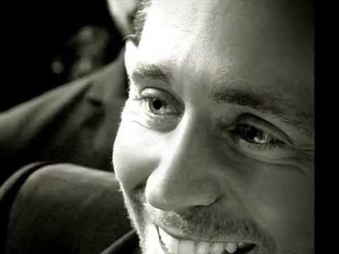 ▶ A poetry mashup read by Tom Hiddleston - a romantic love story - YouTube