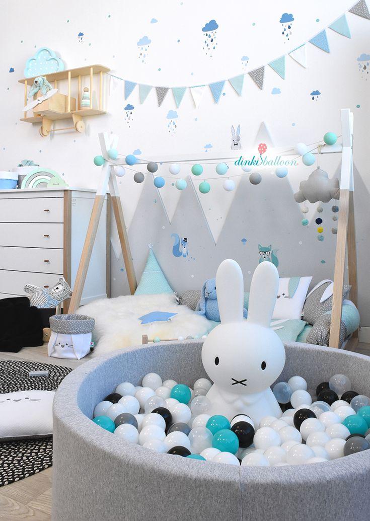Liebevoll verspielt & mega hip – ein Kinderzimmer mit Waldtieren in blau/mint/grau #DinkiBalloon #Kinderzimmer #madeingermany