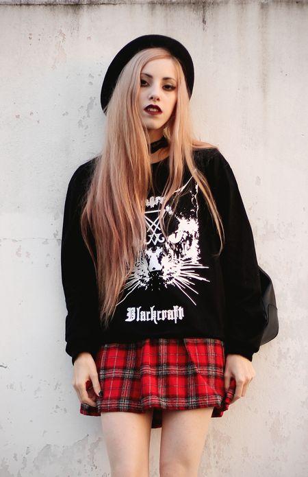 Cat Sweatshirt with black hat, Plaid dress & Choker