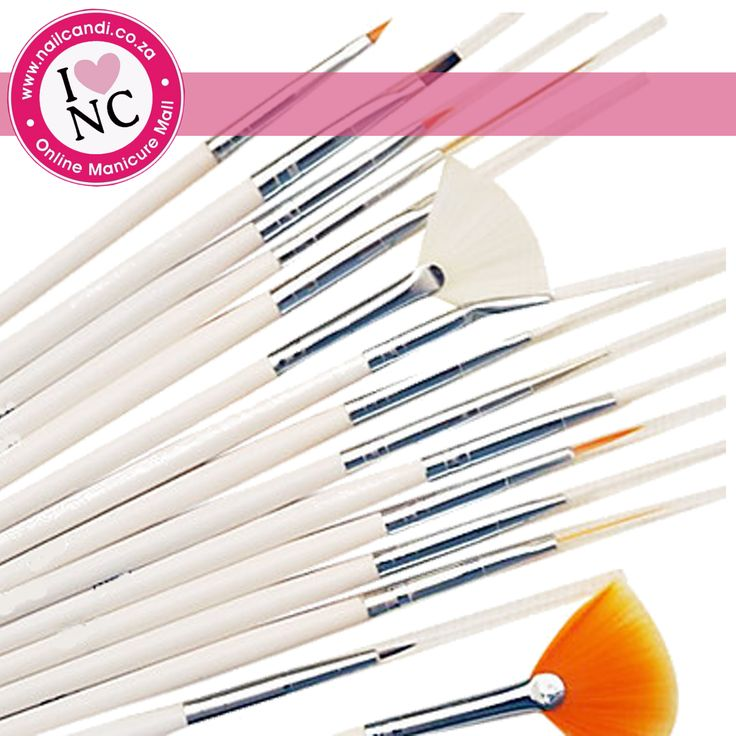 15 Piece Brush Set in black and white (sent out randomly)