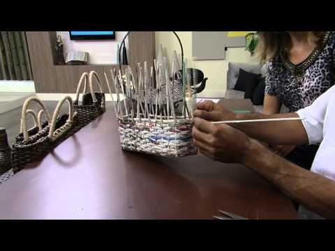 ПЛЕТЕНИЕ СУМОЧКИ. ПРЕКРАСНАЯ ИДЕЯ ДЛЯ ФОРМЫ ИЗ ПОДАРОЧНОГО ПАКЕТА!!!Mulher.com 28/04/2014 José Paulo - Bolsa de jornal Parte 1/2 - YouTube