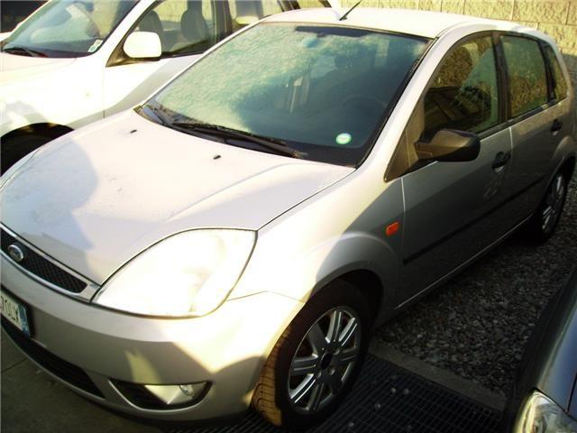 Offerta auto usata: Ford Fiesta 1.4 TDCi 5p. Ghia, € 1.900,-, Diesel, Manuale anno 01/2003 a Bergamo - Bg, 95.400 km, 50 kW