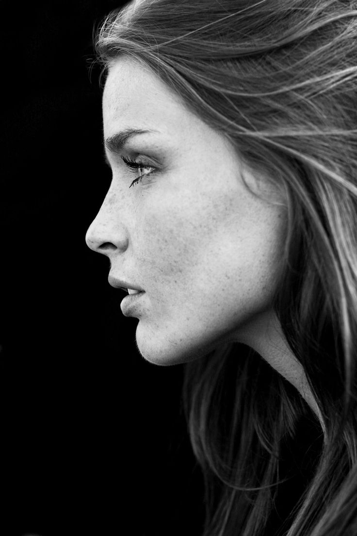 Best 25 face profile ideas on pinterest woman portrait female profile and profile drawing - Foto poile ...