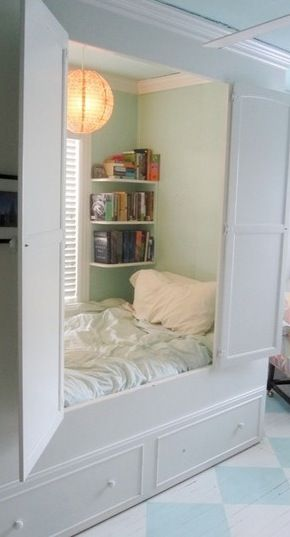 Secret bedroom. Great idea if you lived in  a tiny house and needed the space!!