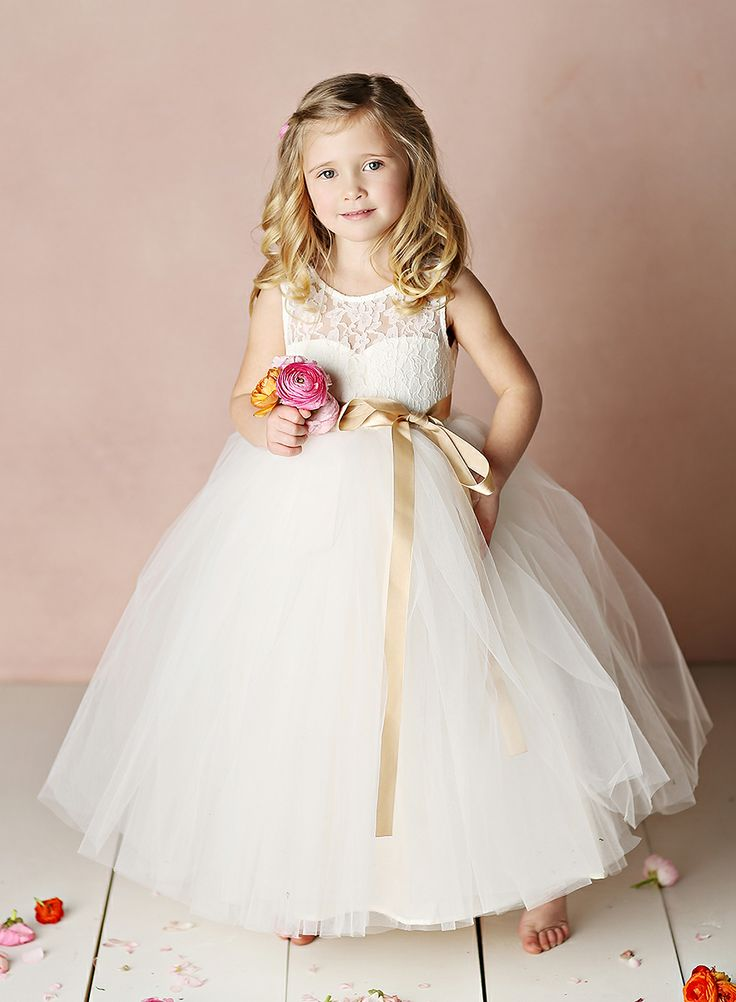 The most darling flower girl dresses ever! #bridalparty #weddingparty #flowergirl #wedding Shop: Fattiepie http://www.fattiepie.com