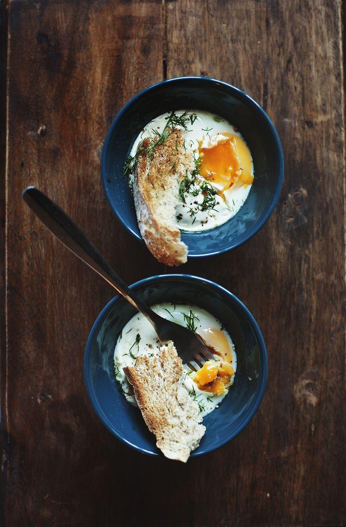 Oeufs en cocotte ( http://www.lily.fi/blogit/suvi-sur-le-vif/aamupalalla-breakfast-table-2 )
