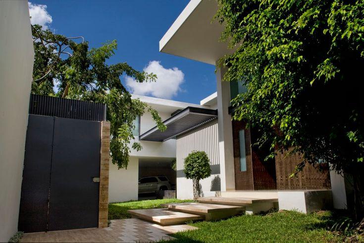 Descubra fotos de Habitações por AIDA TRACONIS ARQUITECTOS EN MERIDA YUCATAN MEXICO. Encontre em fotos as melhores ideias e inspirações para criar a sua casa perfeita.