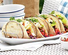 Tacos au poisson rehaussés de coriandre et de lime