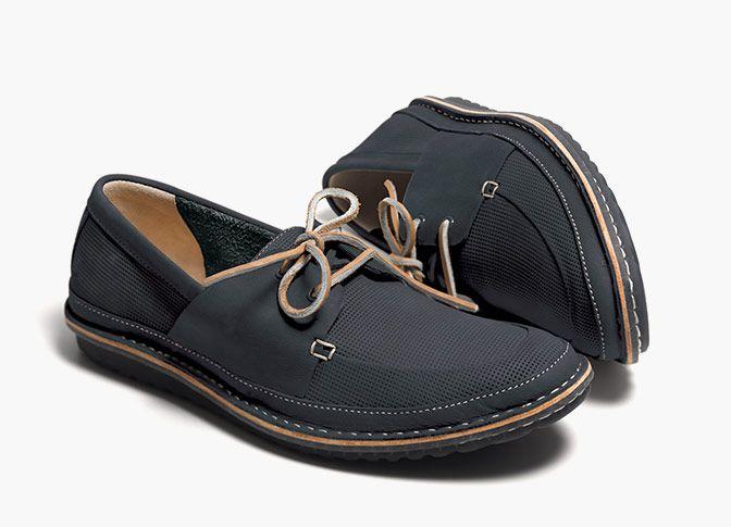 Bequeme Sommerschuhe aus marineblauem Premium-Leder und mit komfortablen Clarks Ortholite Fußbett, Clarks Grafted Sail, 120,00 Euro: http://www.clarks.de/p/26107864