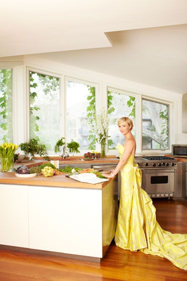 "I think she must be the one who started the concept ...""You can never be overdressed!"" Interior Designer Jenny Dyer's Kitchen #home #interiordesign #decor #style #inspiration #house"