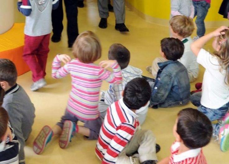 La Polizia di Stato di Ancona esegue misura cautelare di sospensione per una maestra