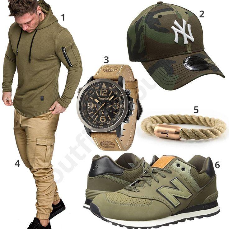 Khaki Street-Style mit beiger Hose, Uhr und Armband (m1009) #khaki #beige #hoodie #timberland #uhr #armband #cap #newyork #newera #outfit #style #herrenmode #männermode #fashion #menswear #herren #männer #mode #menstyle #mensfashion #menswear #inspiration #cloth #ootd #herrenoutfit #männeroutfit