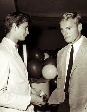 Anthony Perkins and Tab Hunter were lovers for a time in the 1950s, but they had to go to great lengths to keep it secret. See how nervous they look together.