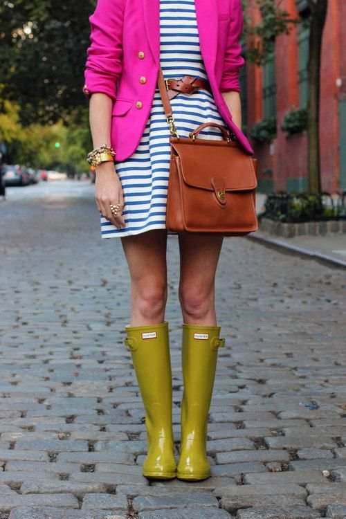 while the colors add fun, the brown belt and matching satchel ground the outfit to make it lady-like AND super chic.